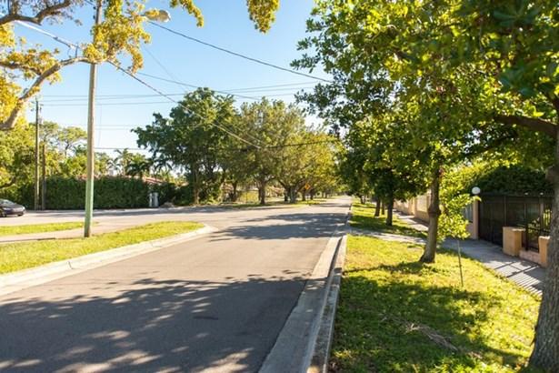 1500 Sw 13th Ave  , Miami, FL - USA (photo 5)
