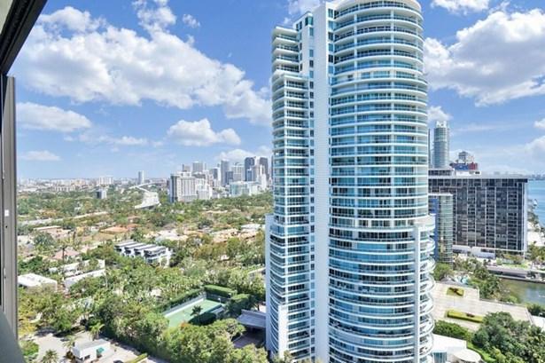 2333  Brickell Ave  , Miami, FL - USA (photo 2)