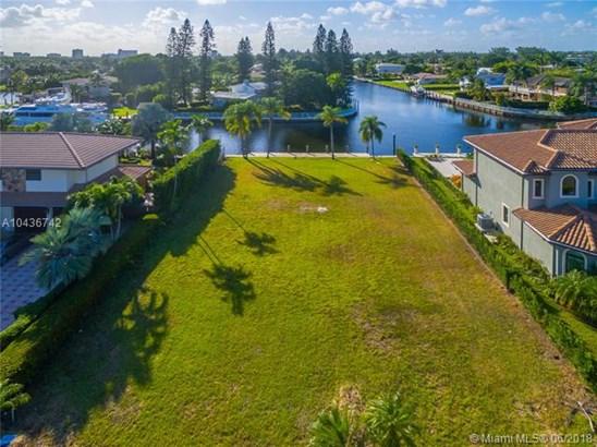 654  Oleander Drive  , Hallandale, FL - USA (photo 1)