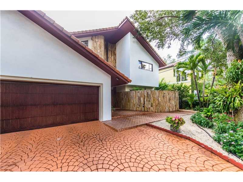 6911 Maynada St, Coral Gables, FL - USA (photo 2)