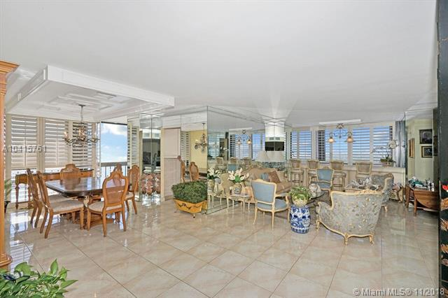 2333  Brickell Ave  , Miami, FL - USA (photo 3)