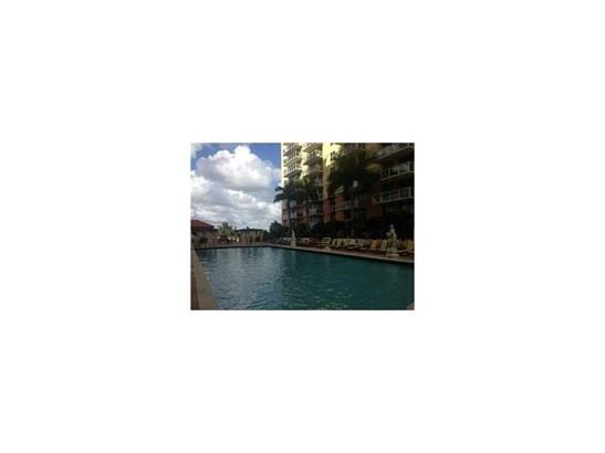 5077 Nw 7 St # Ts-15, Miami, FL - USA (photo 2)