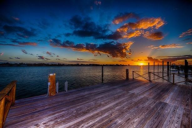 Dock (photo 2)