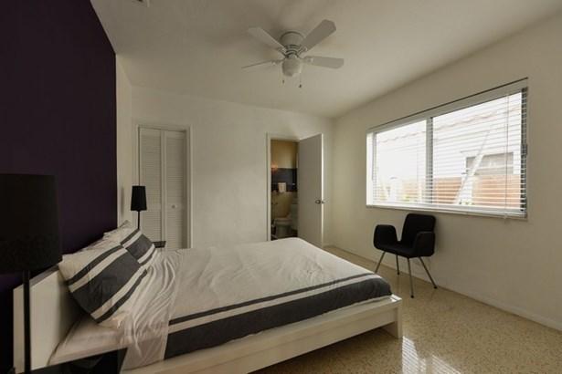 Bedroom (photo 4)