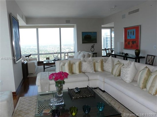 1425  Brickell Ave  , Miami, FL - USA (photo 2)