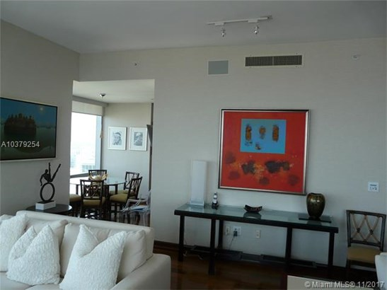 1425  Brickell Ave  , Miami, FL - USA (photo 5)