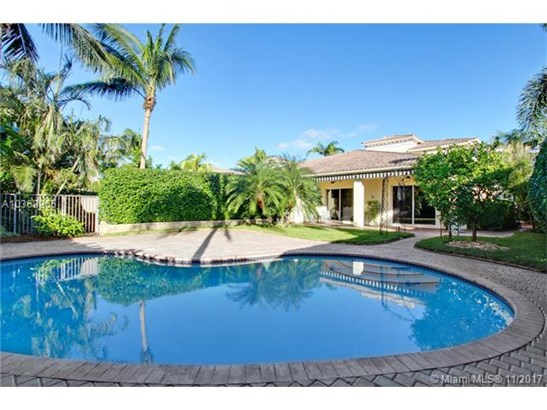 833  Spinnaker Dr E  , Hollywood, FL - USA (photo 2)