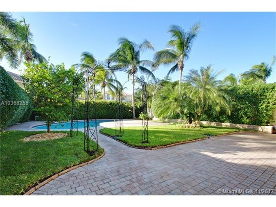 833  Spinnaker Dr E  , Hollywood, FL - USA (photo 3)