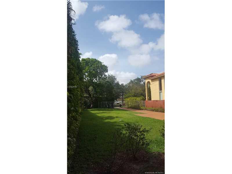 3437 Sw 1st Ave, Miami, FL - USA (photo 2)