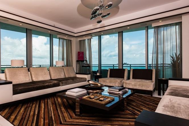 Living room w/ views of the ocean (photo 5)