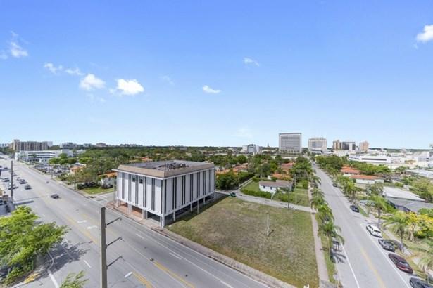 2351  Douglas Rd  , Miami, FL - USA (photo 5)