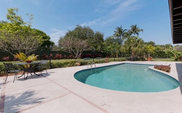 9400 Sw 103rd St  , Miami, FL - USA (photo 3)