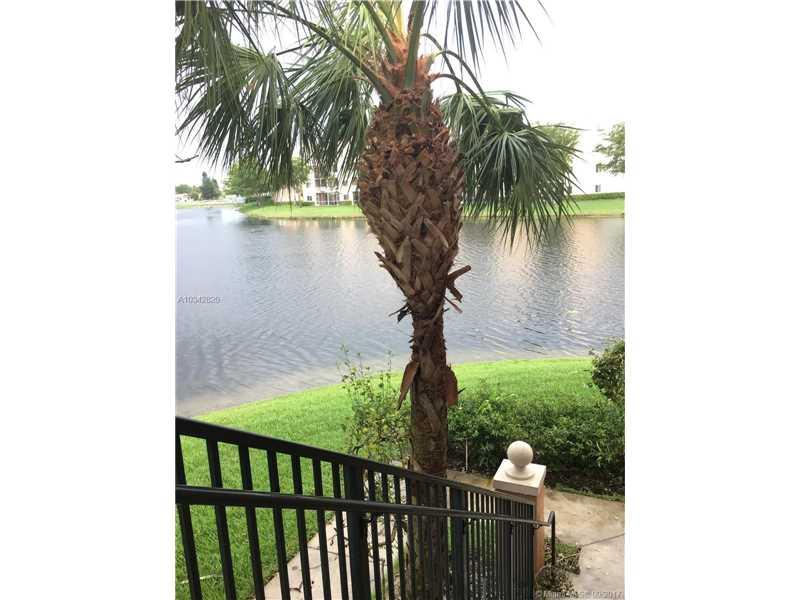 7950 N Nob Hill Rd # 202, Tamarac, FL - USA (photo 1)