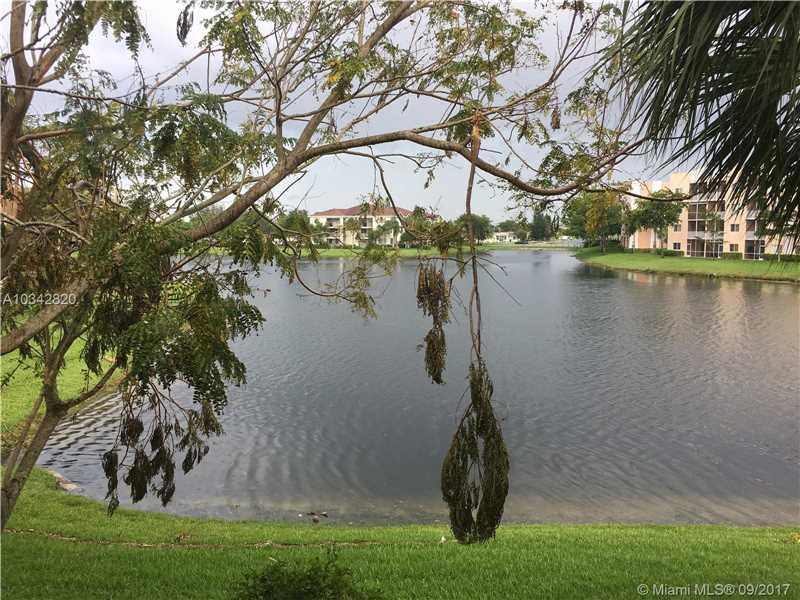 7950 N Nob Hill Rd # 202, Tamarac, FL - USA (photo 2)