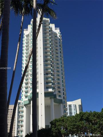 900  Brickell Key Blvd  , Miami, FL - USA (photo 1)