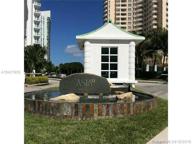 900  Brickell Key Blvd  , Miami, FL - USA (photo 2)
