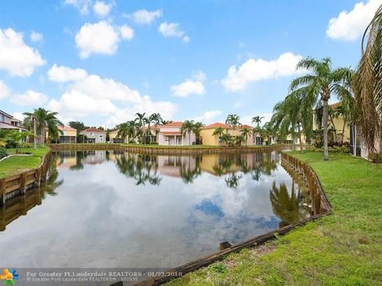 1714  Royal Palm Way, Hollywood, FL - USA (photo 2)