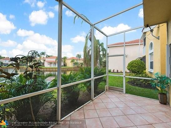 1714  Royal Palm Way, Hollywood, FL - USA (photo 3)