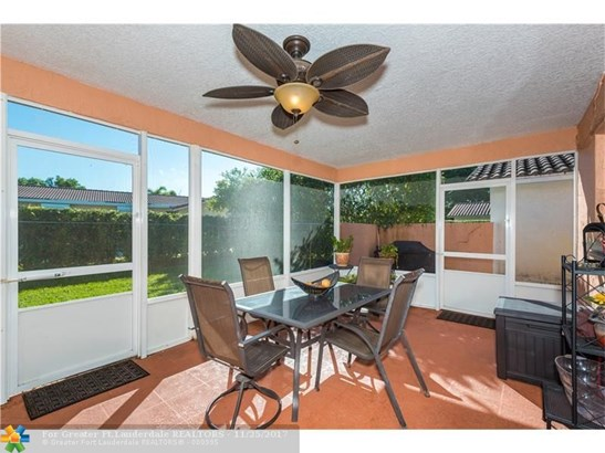 1071 Nw 87th Ave, Coral Springs, FL - USA (photo 3)