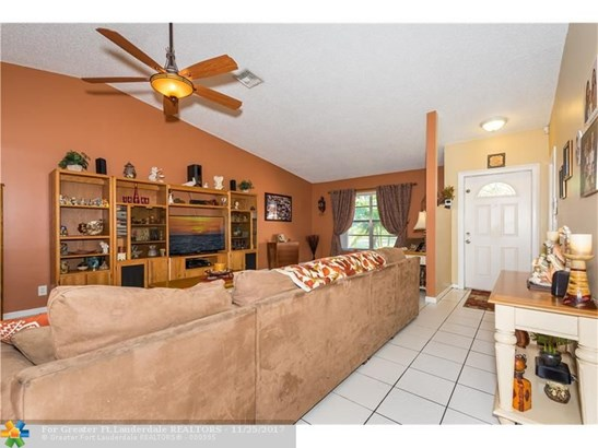 1071 Nw 87th Ave, Coral Springs, FL - USA (photo 4)