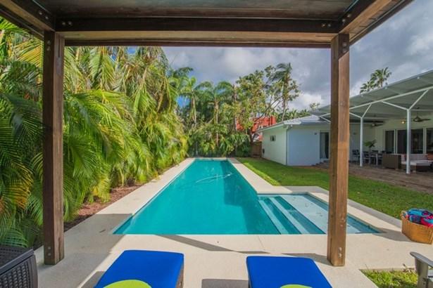 Contemporary 6 bedroom home in Coconut Grove (photo 1)