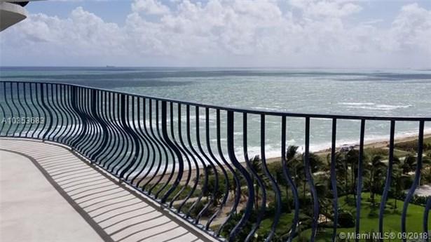 Terrace (photo 3)