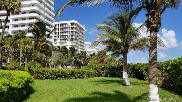 8877  Collins Ave  , Surfside, FL - USA (photo 4)