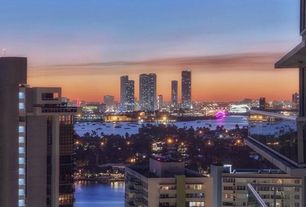 10  Venetian Wy  , Miami Beach, FL - USA (photo 1)