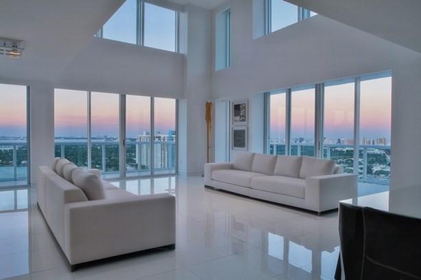 10  Venetian Wy  , Miami Beach, FL - USA (photo 2)