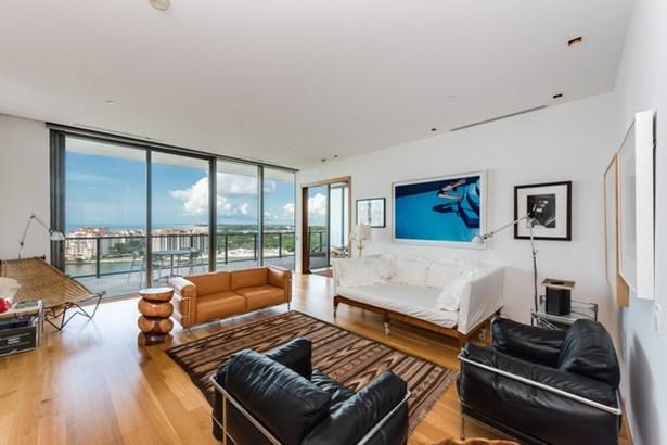 800 S Pointe Dr  , Miami Beach, FL - USA (photo 3)