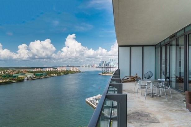 800 S Pointe Dr  , Miami Beach, FL - USA (photo 4)