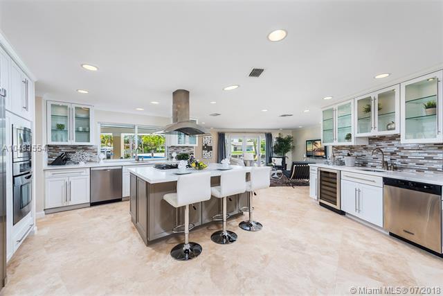 524  Palm Drive  , Hallandale, FL - USA (photo 2)