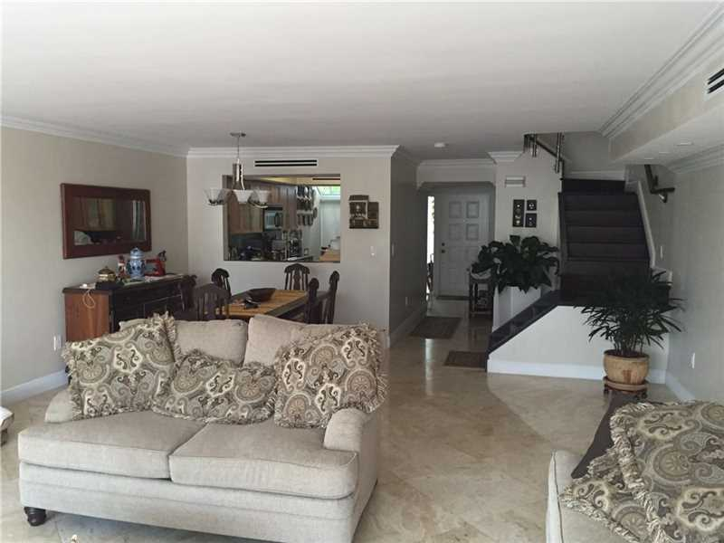 3744 Ne 209th Ter # 3744, Aventura, FL - USA (photo 4)