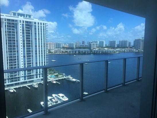 Marina Palms, 17111  Biscayne Blvd  , North Miami Beach, FL - USA (photo 2)