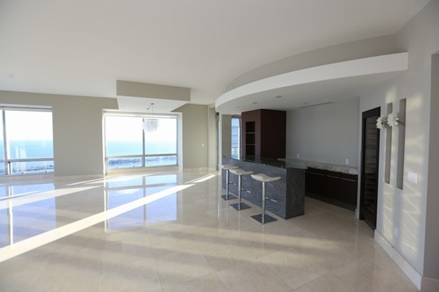 Millennium Tower Res, 1425  Brickell Av  , Miami, FL - USA (photo 5)