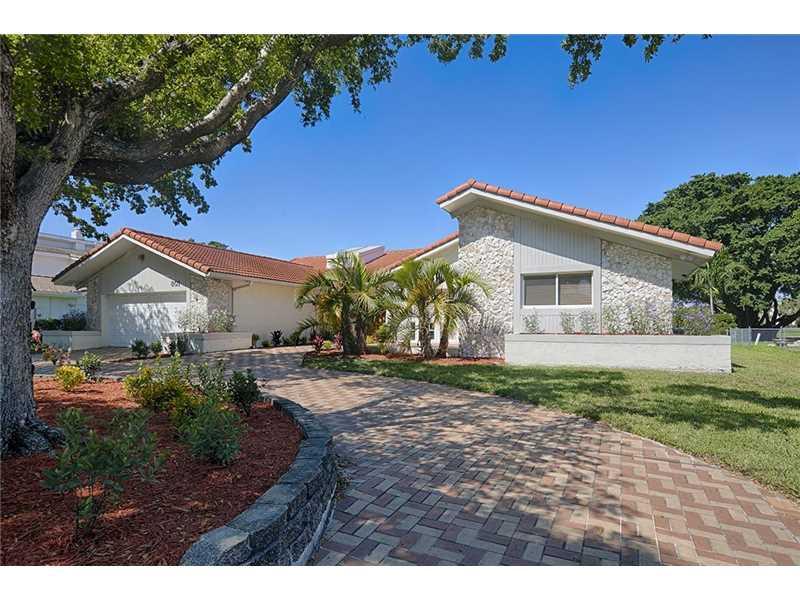 801 Diplomat Pkwy., Hallandale, FL - USA (photo 1)