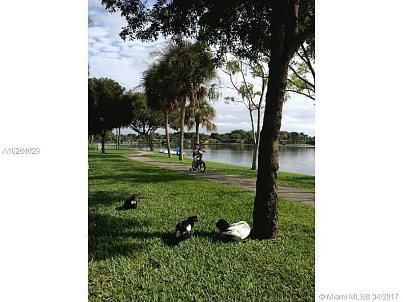 10980 Olive Ave # 10980, Pembroke Pines, FL - USA (photo 2)