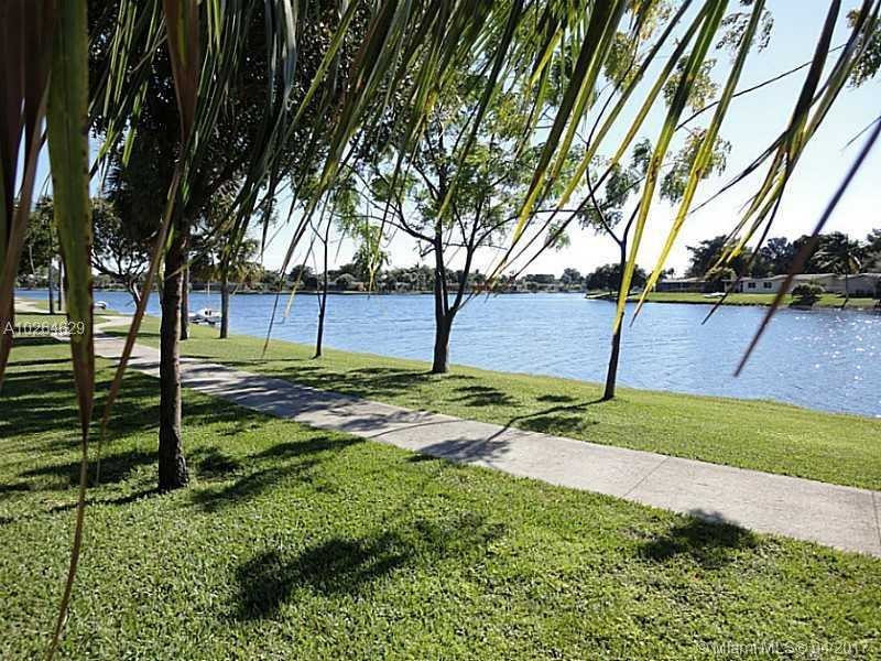 10980 Olive Ave # 10980, Pembroke Pines, FL - USA (photo 4)