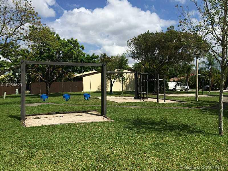 10980 Olive Ave # 10980, Pembroke Pines, FL - USA (photo 5)