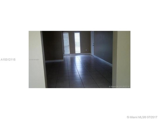 6331 Sw 80th St  , South Miami, FL - USA (photo 3)