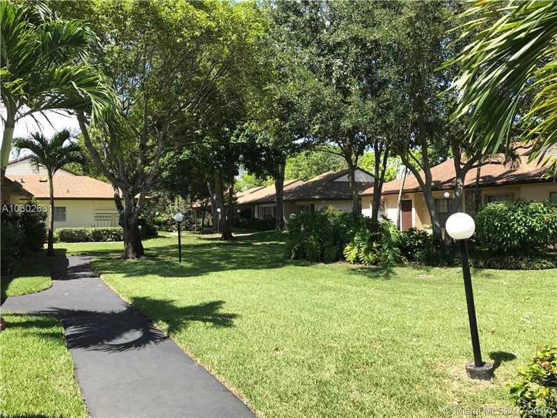 7508  Nova Dr  , Davie, FL - USA (photo 4)