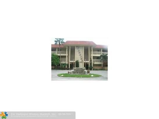 Caravel, 1700 Se 15th St, Fort Lauderdale, FL - USA (photo 1)