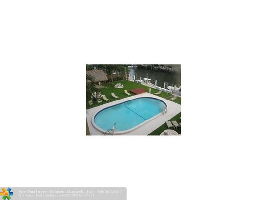 Caravel, 1700 Se 15th St, Fort Lauderdale, FL - USA (photo 2)