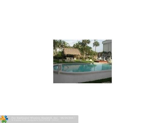 Caravel, 1700 Se 15th St, Fort Lauderdale, FL - USA (photo 3)