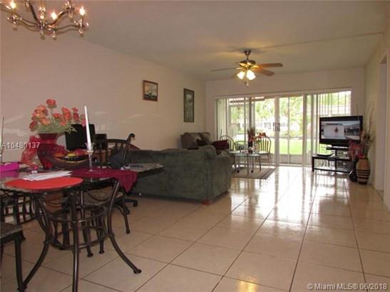 1530 Ne 191st St  , Miami, FL - USA (photo 1)