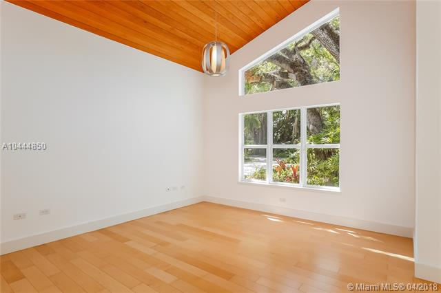 High Pines, 7425 Sw 50 Ct  , Miami, FL - USA (photo 4)