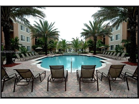 6851 Sw 44 St  , Miami, FL - USA (photo 1)