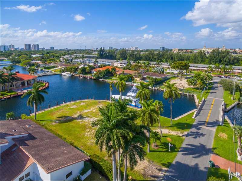 485 Sunset Dr, Hallandale, FL - USA (photo 3)