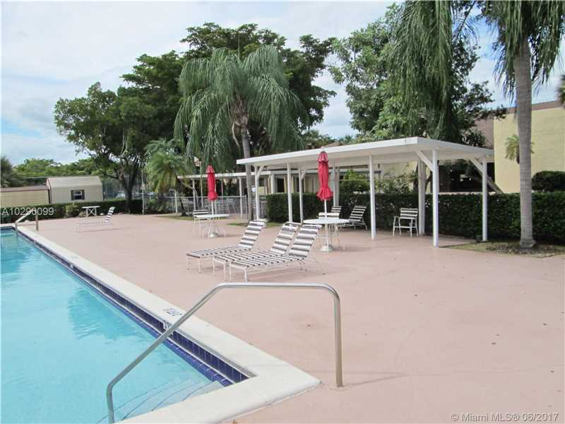 8120 Sw 24th St # 205, North Lauderdale, FL - USA (photo 5)