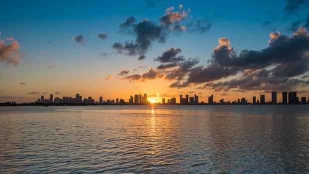 1771 N View Dr  , Miami Beach, FL - USA (photo 3)
